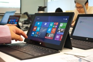 Microsoft releases the Windows 8.1 update globally. http://vernonchan.com/tag/windows-8.1/