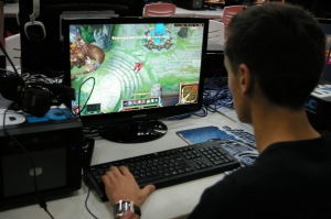 TGS_2014_gamer_PC_-0880